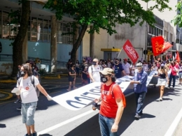 Dia do Servidor Público é marcado por luta contra Reforma Administrativa em SC