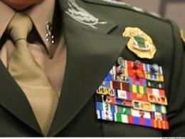 Filhas de militares recebem até R$ 117 mil por mês de pensão, revela estudo