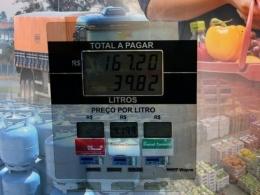 Reajuste de combustíveis impacta na inflação e corrói poder de compra das famílias